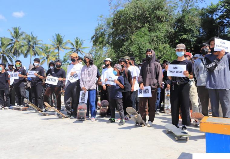 Para atlet skateboard di turnament yang dilaksanakan di Arena Skateboard Batang Agam, Payakumbuh, Minggu (20/06/2021. IST