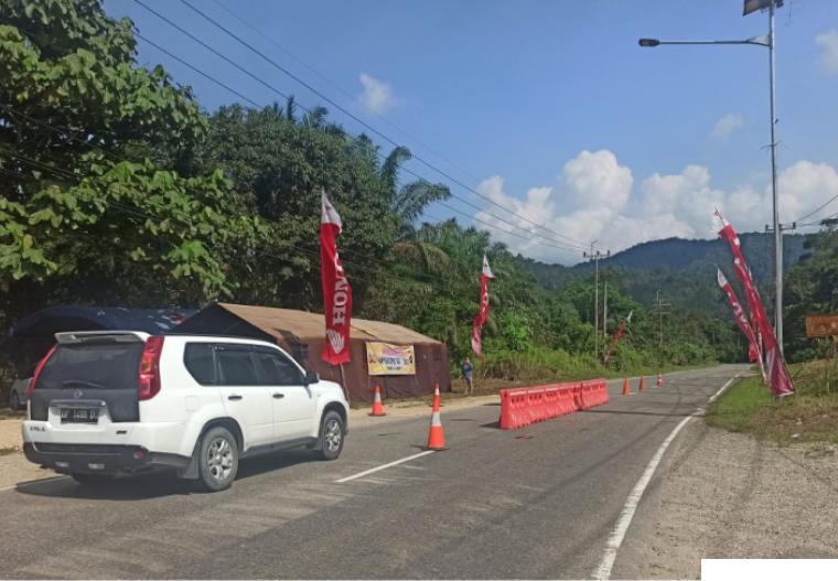 Pos Penyekatan Arus Mudik di perbatasan Provinsi Sumbar dan Provinsi Riau, Pangkalan Koto Baru. DEKADE POS