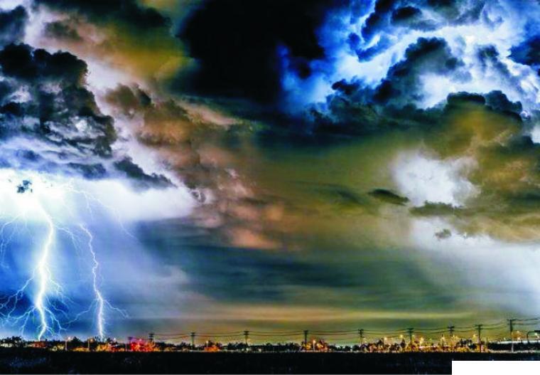 BMKG memperingati masyarakat tentang cuaca ekstrem yang berpotensi terjadi di wilayah Indonesia selama sepekan ke depan (03 s/d 09 April 2021). Gambaran cuaca ekstrem. NET