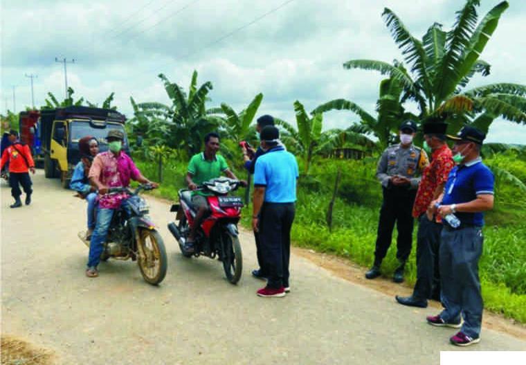 Di 'Jalur Tikus' Perbatasan Dharmasraya-Riau Juga Dilakukan Cek Suhu Tubuh