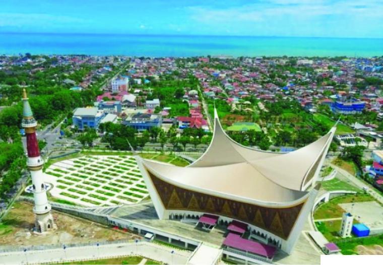 Masjid Raya Sumatera Barat di Jl. Khatib Sulaiman Kota Padang. NET