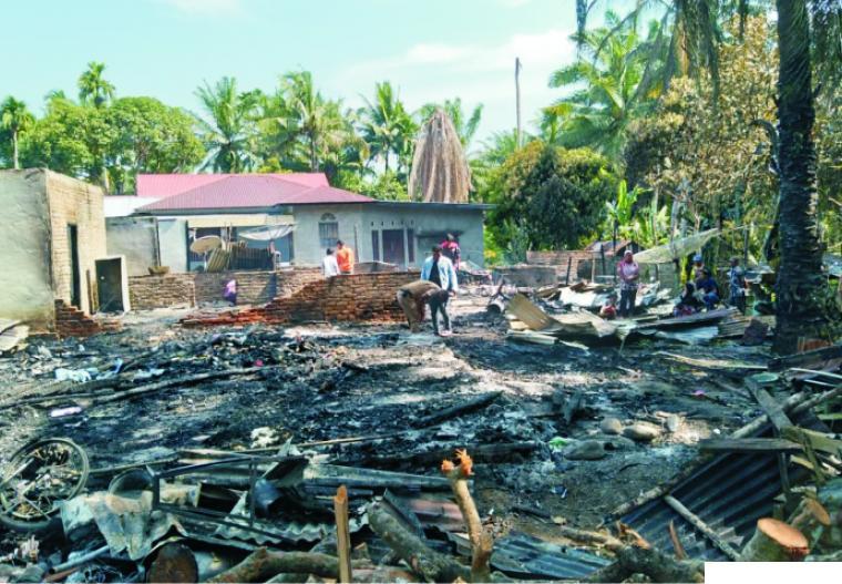 Puing-puing yang tinggal akibat empat unit rumah masyarakat ludes dilalap sijago merah di Jorong Batang Biyu, Kecamatan Pasaman, Kabupaten Pasaman Barat (Pasbar), Senin (22/02/2021) sekira pukul 13.00 WIB. RIZAL