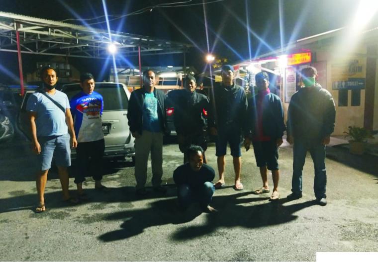 SY (36) tersangka pencurian (jongkok) yang berhasil ditangkap Polres Solok Kota, Selasa (03/11-2020). JON