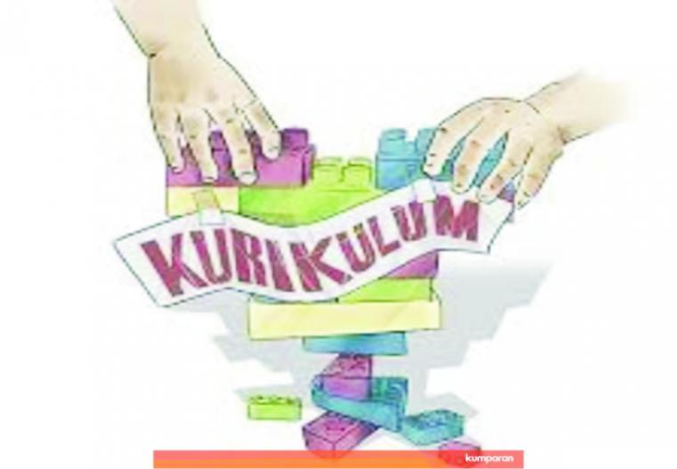 Ilustrasi perubahan dan bongkar-pasang kurikulum pendidikan Indonesia yang dikenal juga dengan istilah ganti menteri ganti kurikulum. Akibatnya pendidikan Indonesia sperti ajang uji coba. KUMPARAN