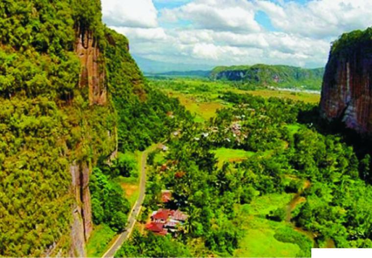 Keindahan Lembah Harau, Kabupaten Limapuluh Kota, Sumatera Barat yang cantik menawan. NET