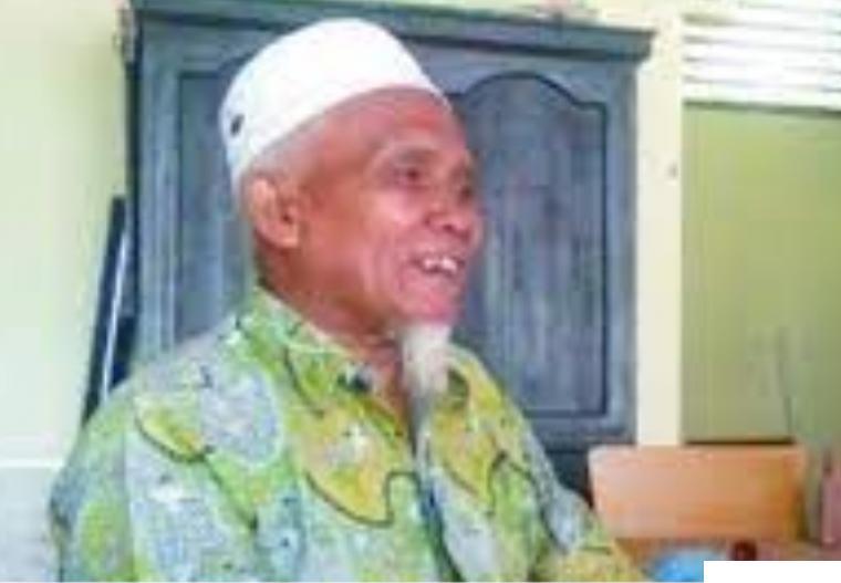KH. Sudirman Syair, Pimpinan Ponpes Ma'arif As Saadiyah, Batu Nan Limo Simalanggang, Kabupaten Limapuluh Kota. ERZ