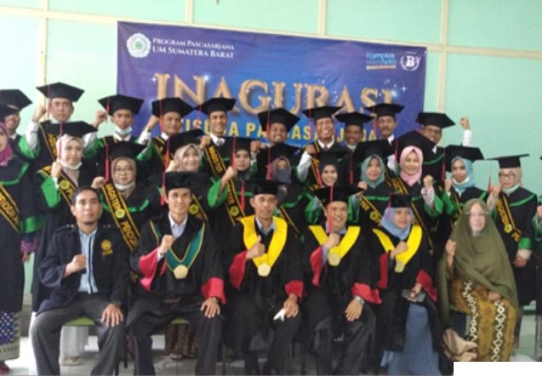 Para wisudawan/ti Program Pascasarjana Universitas Muhammadiyah Sumatera Barat (PPs UM Sumbar) pada wisuda ke-68 Tahun Akademik 2020/2021, Sabtu (19/06/2021) di Kampus I UM Sumbar, Padang. DOK/PPs UMSB