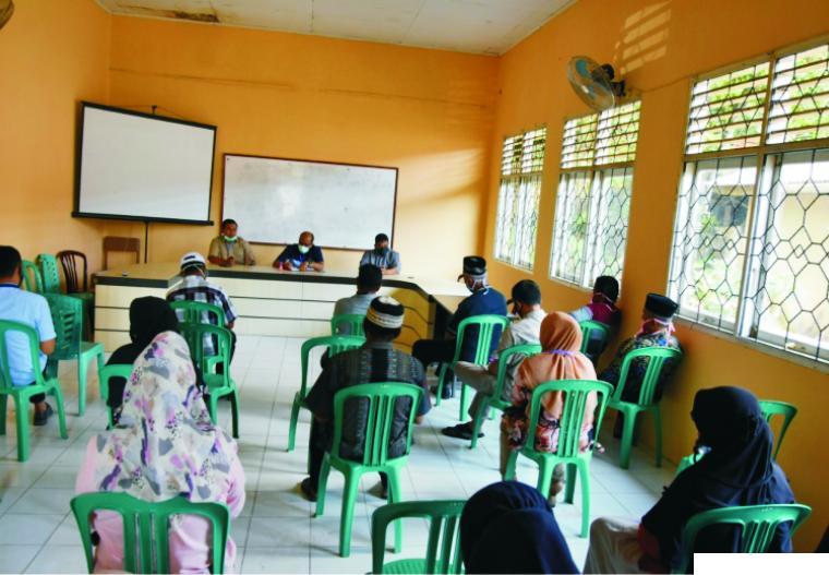 Masyarakat Kecamatan Lareh Sago Halaban, Kabupaten Limapuluh Kota menghadiri reses Ketua DPRD Sumbar, Supardi, Minggu (28/06/2020). IST