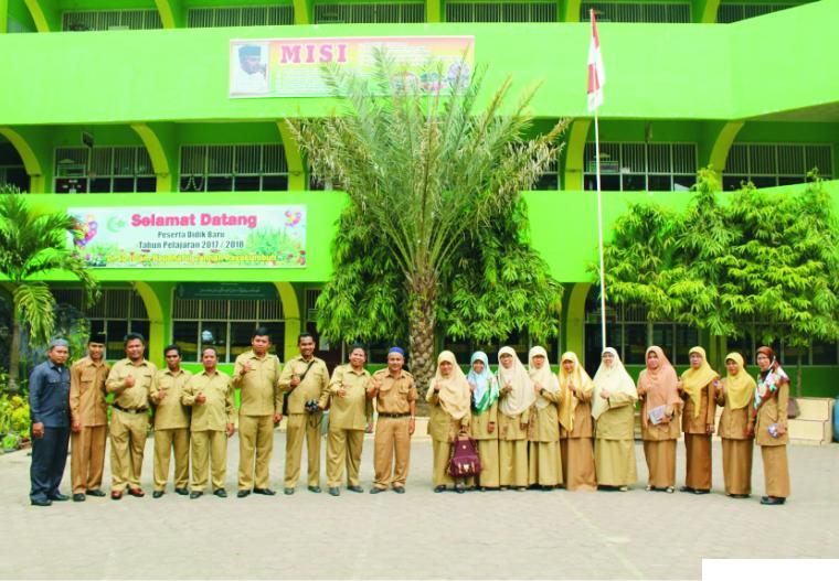 Majelis Guru SDI Raudhatul Jannah, Payakumbuh, sebelum Pandemi Covid-19. Sekolah di Payakumbuh melaksanakan ujian kenaikan kelas 08-13 Juni 2020, sebagaimana Surat Edaran Dinas Pendidikan Kota Payakumbuh. NET