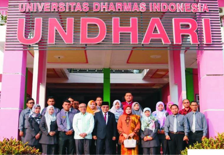 Kunjungan Menteri ke Kampus Undhari Dharmasraya dalam rangkaian kunker di Ranah Cati Nan Tigo.  DI