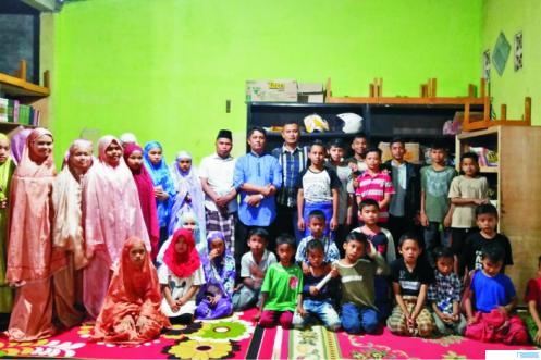 Anak yatim dan piatu Panti Asuhan Bundo Saiyo di Balai Gadang, Kecamatan Koto Tangah, Kota Padang. 2 pemiliknya positif corona. Bahkan 1 di antara pemilik tersebut, kemarin meninggal. Anak yatim dan piatu di panti ini membutuhkan uluran tangan kaum muslimin. IST
