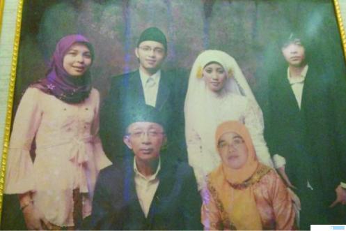 Korban kecelakaan jatuhnya pesawat Sriwijaya Air SJY 182, Asy Habul Yamin (manifest 49) dan Faisal Rahman (manifest 50) bersama keluarga. NET