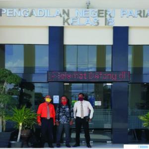 Tim Kuasa Hukum Ali Mukhtar, dari Kantor Hukum Mas & Co saat berada di Kantor Pengadilan Negeri Pariaman. IST