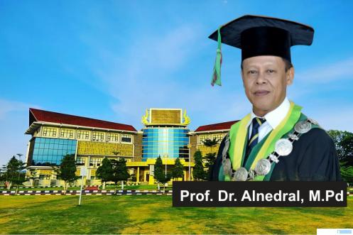Alnedral, Putra Limapuluh Kota Dikukuhkan Jadi Profesor/Guru Besar UNP