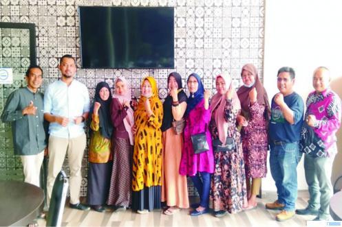 Salah satu sesi silaturahmi alumni SMPN 2 Payakumbuh (eks SMPN 3), Angkatan 1987, Jumat  (02/10/2020) di Restoran Sederhana Payakumbuh. IST