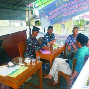 Kunjungan silaturahmi anggota DPRD Kabupaten Solok H. Herman Plani ke Posko TGP2 Junjung Sirih dengan suasana kekeluargaan, Sabtu (04/04/2020). JON