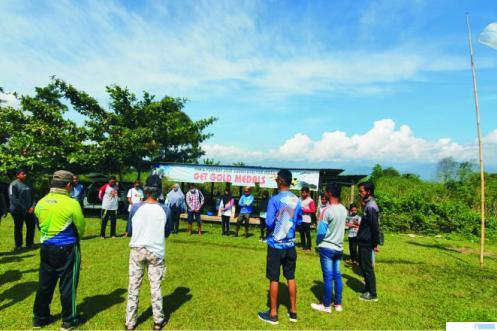 Suasana latihan atlet paralayang di Gunung Bungsu, Taeh Bukik, Kabupaten Limapuluh Kota. Latihan diikuti atlet dari Limapuluh Kota, Kota Payakumbuh, Riau dan Papua. NITA