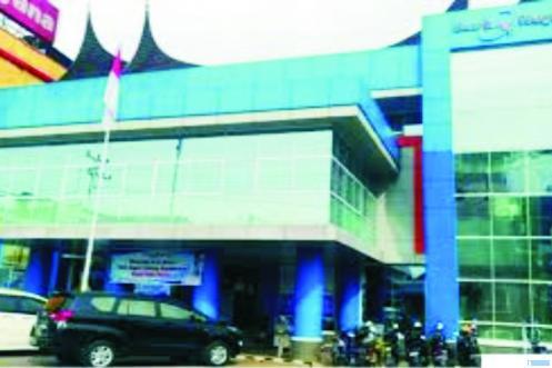 Kantor Cabang Bank Nagari Payakumbuh di Jl. Sudirman, Kota Payakumbuh. NET