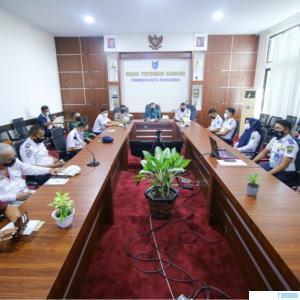 Dinas Perhubungan Provinsi Sumatra Barat melaksanakan rapat Forum Lalu Lintas dan Angkutan Jalan (FLLAJ) bersama Dinas Perhubungan Kota Payakumbuh yang berlangsung di Aula Pertemuan Randang lantai II Kantor Walikota Payakumbuh, Kamis (03/06/2021). IST