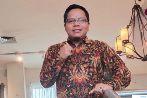 Dr.Yulkifli Amir yang terpilih secara aklamasi memimpin Ikatan Keluarga Alumni (IKA) PGA/PGAN/MAN/MAKN/MAPK Koto Baru Padang Panjang untuk wilayah Sumatera Barat periode 2021-2025 melalui musyawarah yang dihadiri perwakilan alumni dari berbagai angkatan di kampus MAN-MAPK Koto Baru Padangpanjang, Sabtu (10-04-2021).
