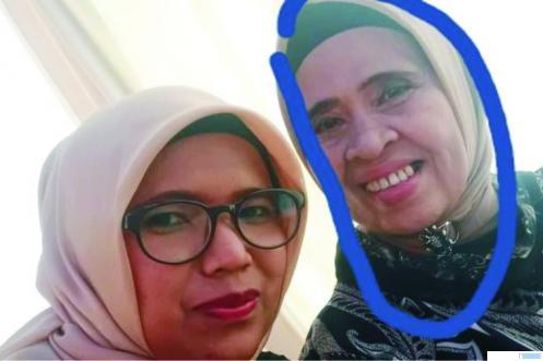 Almarhumah Hj. Tengku Mahyuni (kanan) istri dari Wakil Bupati Limapuluh Kota (2010-2015) Asyirwan Yunus, semasa masih hidup. Hj. Tengku Mahyuni meninggal, Sabtu (12/09/2020) pukul 03.00 WIB di RS. Jantung Harapan Kita, Jakarta. FB