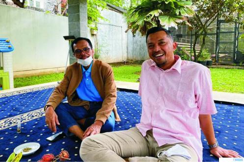 Joni Hendri, M. Kom, MM saat bersilaturahmi dengan Safaruddin, Dt.Bandaro Rajo, Bupati Limapuluh Kota terpilih, Senin (12/01/2021) di kediaman salah seorang pengusaha sukses asal Limapuluh Kota di Jakarta. IST