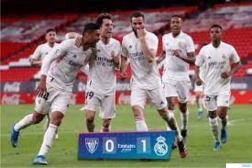 Pemain Real Madrid merayakan kemenangan atas Athletic Bilbao degan hasil akhir 1:0. Dengan hasil ini maka perebutan juara Liga Spanyol antara Real Madrid dan Atlelico Madrid akan ditentukan pada pertandingan di laga pamungkas. Sedangkan Barca sudah terlempar dari persaingan juara. NET