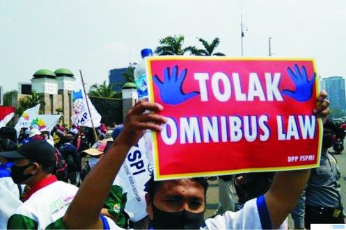 Salah satu suasana unjuk rasa penolakan UU Cipta Kerja beberapa hari lalu di Jakarta. NET