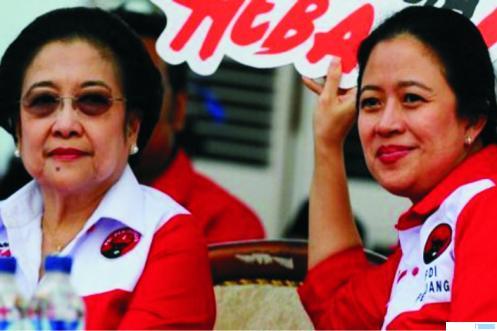 Puan Maharani (kanan) bersama Ibunya Megawati Soekarno Putri. NET