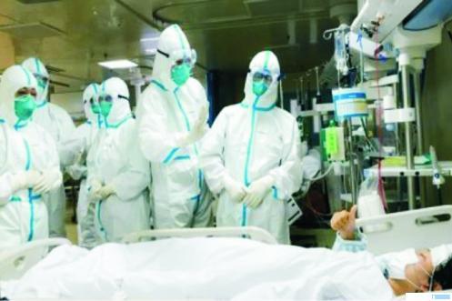 Penanganan pasien Covid-19 pada salah satu rumah sakit di tanah air. NET
