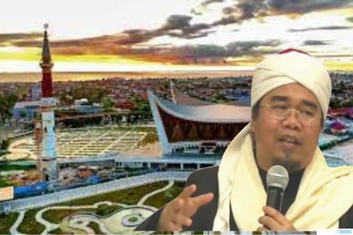 Ketua MUI Sumbar Buya Dr. H. Gusrizal Guzahar, Lc, MA dengan latar belakang Masjid Raya Sumatera Barat. NET
