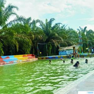 Kolam Renang Ajo Manenggang mulai dikunjungi warga masyarakat yang sudah lama hanya beraktivitas di rumah. DI
