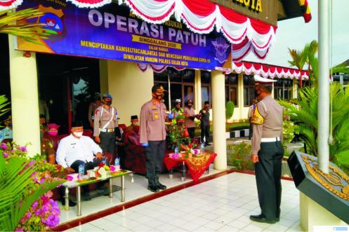 Apel pembukaan Operasi Patuh Singgalang 2020 di  Polres Solok Kota, Kamis (23/07/2020). JON