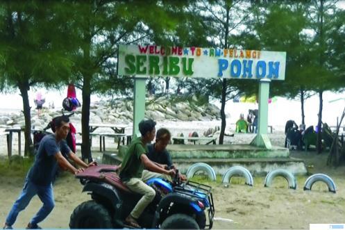 Pantai Sasak, Pasbar mulai ramai dikunjungi wisatawan, karena nyaris tiga bulan, tempat wisata ini ditutup sejalan dengan penerapan PSBB.