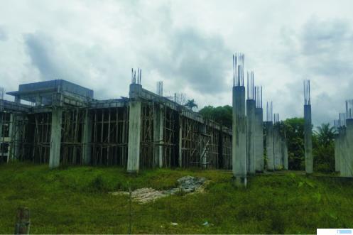 Bangunan Masjid Bung Hatta di Sarilamak Kecamatan Harau, Kabupaten Limapuluh Kota yang masih terbengkalai. Rencananya Bulan Oktober ini, pembangunan masjid beralantai 2 ini akan dilanjutkan kembali. NITA