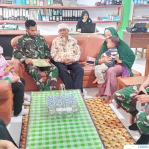 Persit Persit 67 Bataliyon 131/BS saat berkunjung ke Ponpes Maarif Assa'adiyah, Batu Nan Limo Simalanggang, Kabupaten Limapuluh Kota. IST