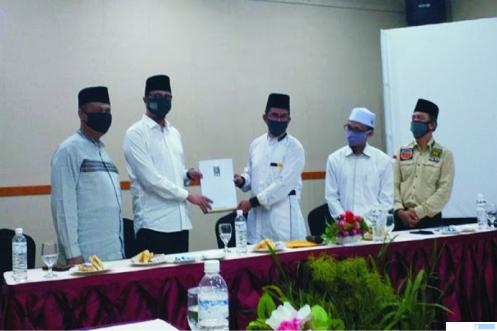 DPP PKS menerbitkan SK pencalonan pasangan Erman Syafar - Marfendi untuk Pilkada Kota Bukittinggi.