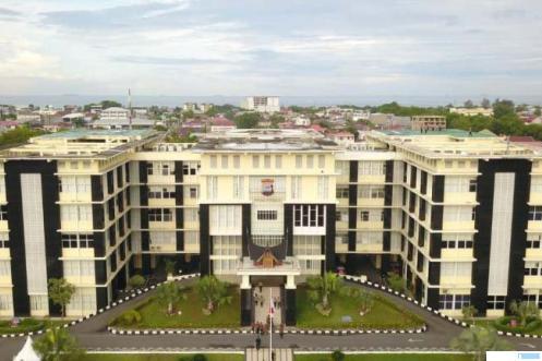 Mapolda Sumbar di Jalan Sudirman, Padang. NET