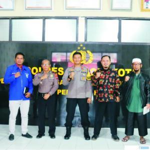 Pokdar Kantibmas Solok Kota, bersama dengan Kapolres Solok Kota AKBP Ferry Suwandi, Senin (27/07/2020). JON