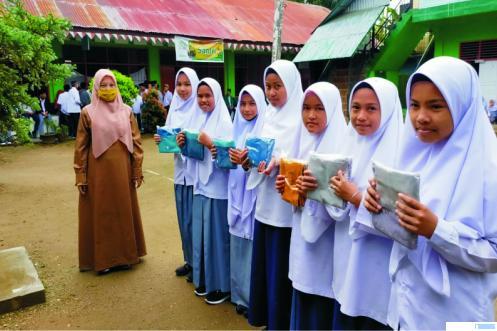 Ponpes Ma'arif As Sa'adiyyah Dapat Bantuan Alat Prokes dan Hijab
