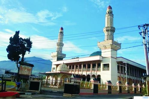 Masjid Jamik Tigo Baleh Kota Bukittinggi. Shalat Jumat di masjid sudah diperbolehkan kembali di Kota Bukittinggi seiring dengan dicabutnya status PSBB untuk kota wisata ini, Jumat (29/05/2020). JON