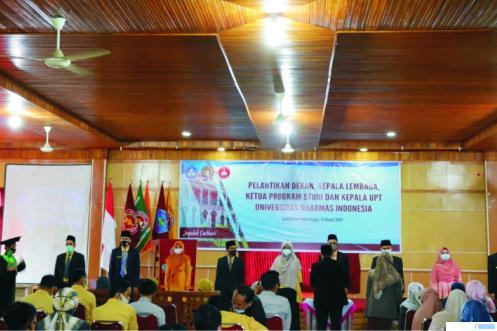 Suasana pelantikan pejabat struktural di lingkungan rektorat Undhari yang dilaksanakan di Auditorium Dara Jingga, Sabtu (13/03/2021).DI