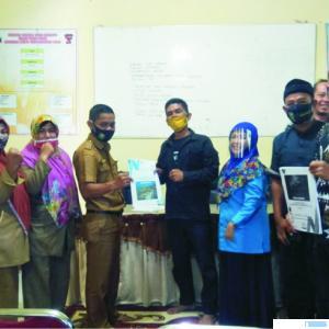 Suasana rangkaian prosesi pengesahan RPJM Nagari Muaro Pingai, Kecamatan Junjung Sirih, Kabupaten Solok,Selasa (27/10/2020). IST