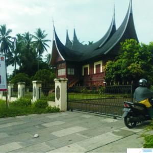 Rumah Gadang di Bulakan Balai Kandi Koto Nan Ampek Kota Payakumbuh yang menjadi markas atau tempat latihan Sanggar Kesenian Talang Serumpun. NITA