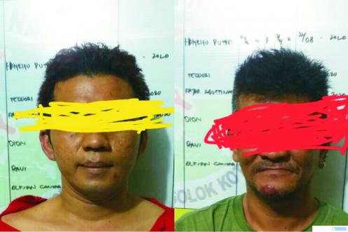 2 orang tersangka yang ditangkap jajaran Satres Narkoba Polres Solok Kota saat sedang bertransaksi sabu-sabu. JON