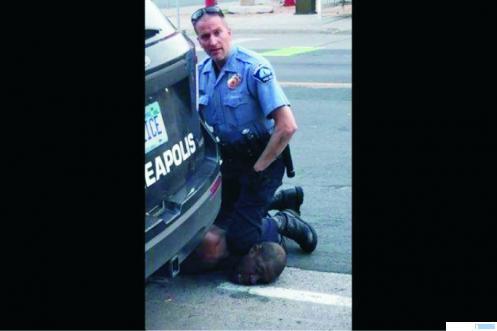 Penaklukan oleh polisi Derek Chauvin terhadap George Floyid yang berujung kematian di Minneapolis AS. Peristiwa ini menjadi masalah besar di AS yang mengguncang negara itu. NET