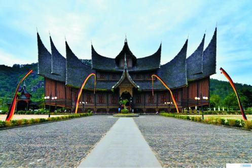 Istana Pagaruyurung di Batusangkar, Kabupaten Tanah Datar, Provinsi Sumatera Barat yang menjadi salah satu magnet pariwisata Sumbar. NET