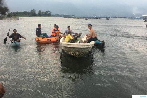 Proses pencarian korban di Danau Maninjau. IST