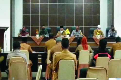 Suasana Rapat Koordinasi Pemkab Solok tetang pembentukan Tim Penyelenggara Jenazah Covid-19, Senin (20/04/2020) di Kantor Bupati Solok. JON