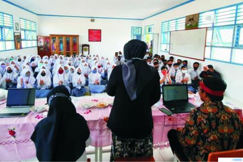 Suasana kunjungan Tim Undhari ke salah satu SLTA di Kabupaten Tebo Provinsi Jambi. DI